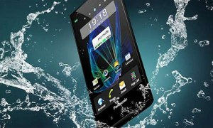 panasonic-eluga-is-a-waterproof-dustproof-smartphone (1)
