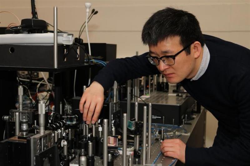 Primitive quantum computer provides first steps toward quantum walk_popup